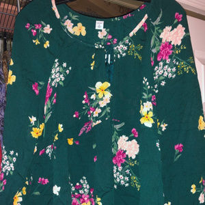Old Navy Tops - Ladies Floral-Print Boho Swing Blouse Green Floral
